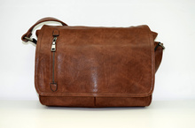Мъжка чанта ЛУКС колекция - JAMES - кафява за документи