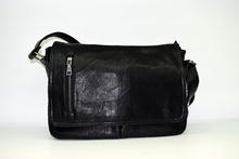Мъжка чанта ЛУКС колекция - JAMES - черна за документи