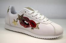 Дамски кецове - LIPS - бели с бродерия