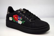 Дамски кецове - ON FLOWERS - черни