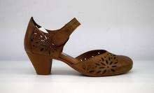 Дамски обувки с перфорация на ток ЕСТЕСТВЕНА КОЖА БЪЛГАРСКО ПРОИЗВОДСТВО - цвят кафе