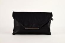 Дамска чанта тип плик - черна