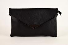 Клъч дамска чанта - черна