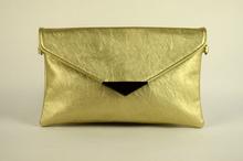 Клъч дамска чанта - златиста