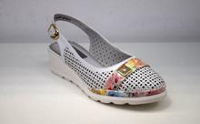 Свежи дамски пантофки - FLOWERS  - бели с цветна десен