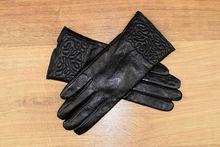 Дамски ръкавици естествена кожа код 023-черни