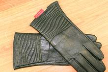 Дамски ръкавици естествена кожа код 024-тъмно зелени