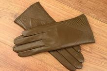Дамски ръкавици естествена кожа код 027-тъмно бежови