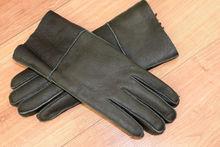Дамски ръкавици естествена кожа с дебела вата код 031-тъмно зелени