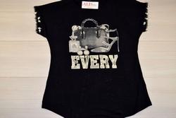 Дамска блуза с къс ръкав - 5007 - черна с перли