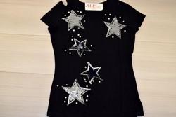 Звездна дамска блуза с къс ръкав - 5010 - черна/ щампа и пайети