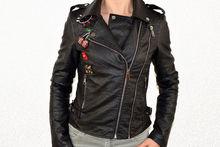 Кожено дамско яке - 1523 - черно с брошки сезон пролет/есен