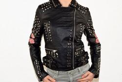 Дамско кожено яке - 1526 - черно с капси сезон пролет/есен