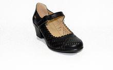 Дамски сандали на нисък ток - 5504 - черен