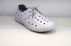 Дамски обувки ЕСТЕСТВЕНА КОЖА с перфорация - 00100 - бели