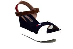 Дамски сандали на платформа - 9901 -