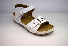 Ежедневни дамски сандали с лепки - 2824 - бели