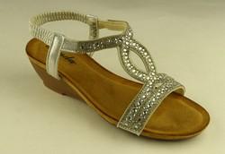Ежедневни дамски сандали - А 2843 - сребристи с камъни