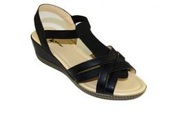 Дамски сандали с лека платформа - А 2839 - черни