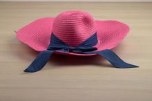 Капела с голяма периферия - LILY - розова код - 012 -