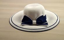 Капела - ELLI - бяла с тъмно синя панделка код - 019 -