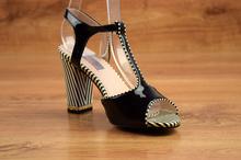 Елегантни сандали на ток - ALEXIS - черен лак