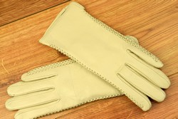 Дамски ръкавици естествена кожа код 025-бежаво