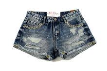 Дамски дънкови къси панталонки - 8801 - сини с камъни