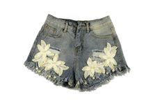 Модни къси дънкови панталонки - 8807 - сини с декорация