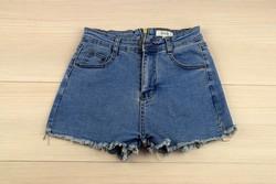 Къси дамски дънкови панталонки - 8810 - сини със заден цип
