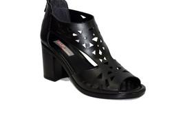Дамски сандали на среден ток - 5506 - черни