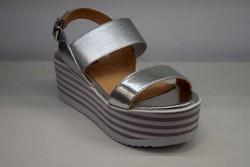 Дамски сандали на платформа - 2807 - сребристи