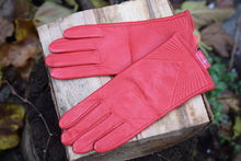 Дамски ръкавици ЕСТЕСТВЕНА КОЖА -код 038-червени