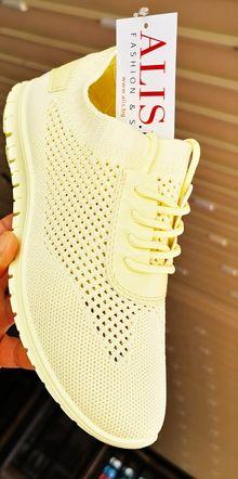 Дамски текстилни маратонки-жълти