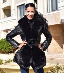 Шикозно дамско палто-код 831-черно с черен пух