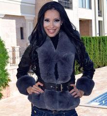 Дамско късо палто-код 833-черно със сив пух